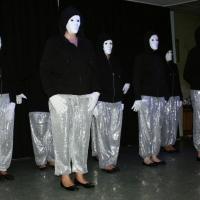 """11.11. in der Linde: """"Girls United goes to Monster Body"""". Das Schneckenburg-Ballett unter der Leitung von Ute Hofmeier und Sonja Lohrer."""