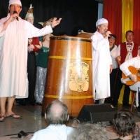 11.11. in der Linde: Zum Abschluß wurde noch ein Schlaflied von Ekki Moser und Markus Deutinger vorgetragen. Begleitet wurden sie an der Gitarre von Norbert Fiedler.