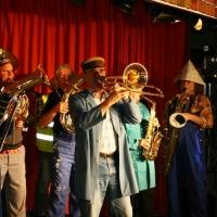 11.11. in der Linde: Zur Eröffnung spielte die Clowngruppe unter der Leitung von Gerd Zachenbacher.