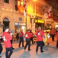 Die Clowngruppe auf der Insel Gozo: Nächtlicher Umzug in der Hauptstadt Victoria.