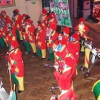 Rosenmontag mit der Clowngruppe: Auftritt in Rielasingen in der Rosenegghalle beim Ball der Katzenzunft Arlen.