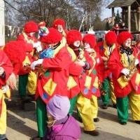 Schmutziger Donnerstag: Besuch des Maria-Hilf-Kindergartens durch die Clowngruppe.