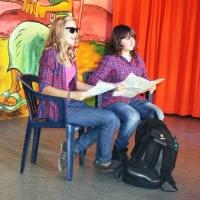 """11.11. in der Linde: Einen """"Traum der großen weiten Welt"""" hatten Lara Stross und Annika Ott."""