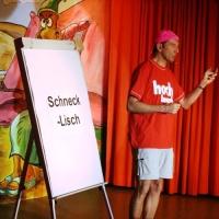"""11.11. in der Linde: Jürgen Stöß brachte dem Publikum die Sprache """"Schnecklisch"""" bei."""