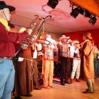 11.11. in der Linde: Zur Eröffnung spielte die Clowngruppe der Schneckenburg.