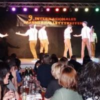 Männerballett-Treffen vom Schneeschreck: Das Männerballett der Schneckenburg bei Ihrem Tanz.