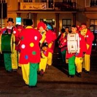 Verbrennung auf dem Stepahnsplatz: Die Clowngruppe lief ein.