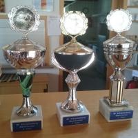 Boule-Turnier der Schneckenburg: Um diese Pokale wurde an diesem Nachmittag heiß gekämpft.