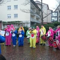 Umzug in Gundelfingen:  Der Fanfarenzug unter der Leitung von Alexander Urban gab ein Platzkonzert.