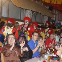 Quaker-Frühschoppen in Allmannsdorf: Einmarsch der Clowngruppe.