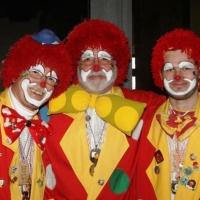 Frühschoppen im Konzil: Die Clowngruppe unter der Leitung von Gerd Zachenbacher (Mitte).