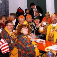 Rosenmontag mit der Clowngruppe: Das Publikum erwartete die Musiker bereits.