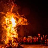 Verbrennung auf dem Stephansplatz: Die Puppe brannte nieder.