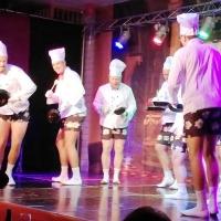 11.11. der Schneckenburg: Das Männerballett spielen die Küchenschaben aus dem Hotel.