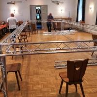 11.11. der Schneckenburg: Die neuen Traversen mussten zur Probe aufgebaut werden.