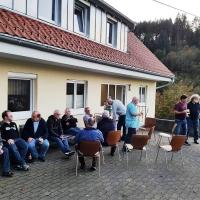 Auf der Clowngruppen-Hütte: Während den Trainingspausen blieb genügend Zeit für  geistreiche Gespräche.