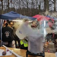 Schneeschreck-Erwachen: Der Glühwein wurde an Ort und Stelle zubereitet.