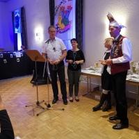 Ordensverleihung der Schneckenburg: Präsident Jürgen und Vize Rolf überreichten sich gegenseitig die Saisonorden.