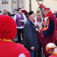 Schmutziger Donnerstag: Werner Rahming bekommt vom Präsidenten seinen Orden.