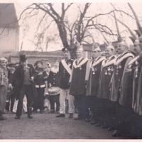 Rosenmontag 1937. Der hohe Rat von links nach rechts: Ramsperger, F. Gassner, Fetscher, Beck, J. Senger, E. Maier, Biessing, J. Gottmann.