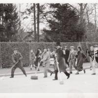 Schmutziger Donnerstag 1939: Auf dem Weg in die Stadt..